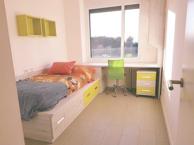 Dormitori Juvenil en laminat Roure Mozart i verd