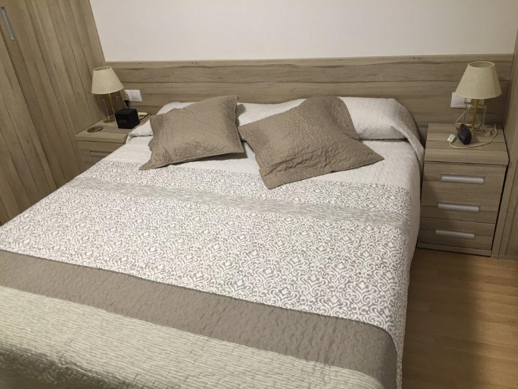 Dormitori acabat en laminat Roure Balboa